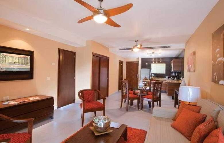 Sunset Plaza Beach Resort & Spa - Room - 2