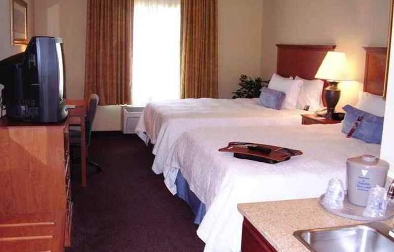 Hampton Inn & Suites Ontario - Hotel - 3