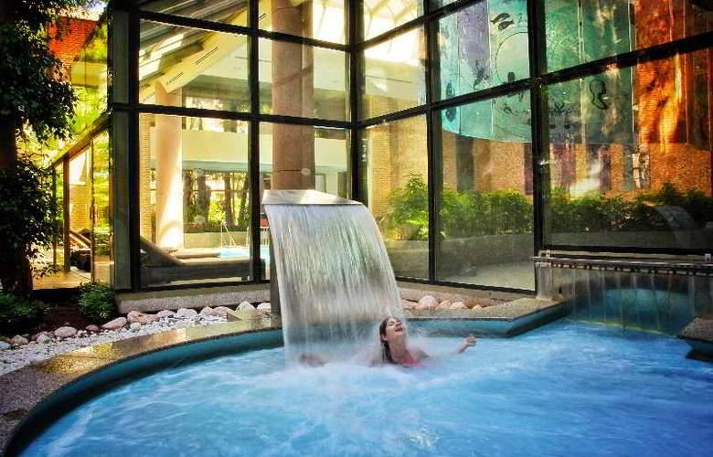 Gloria Verde Resort - Pool - 13