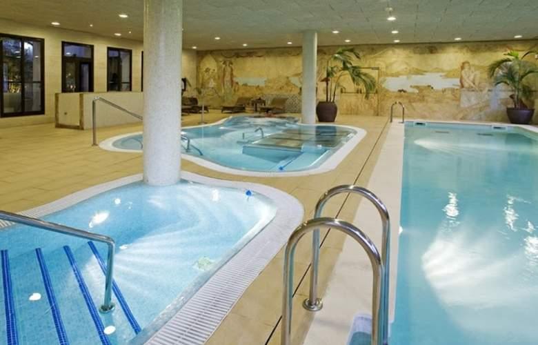 Albayt Nueva Alcaidesa - Pool - 2