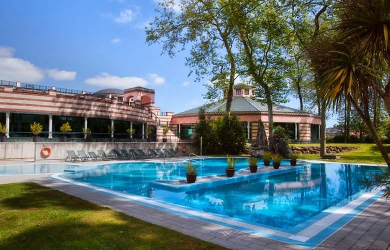 Castilla Termal Balneario de Solares - Pool - 3
