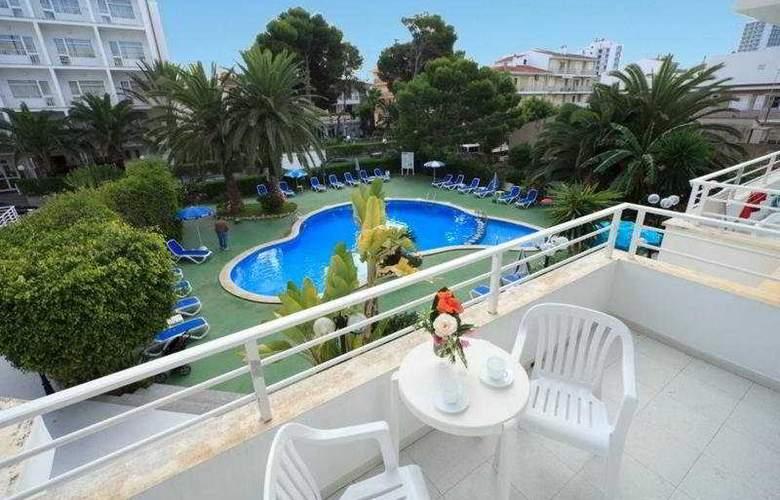 Maracaibo Apartments - Pool - 9