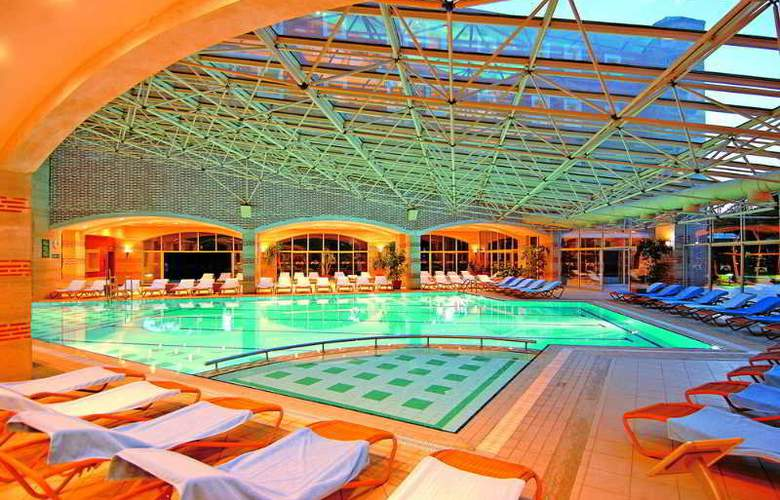 Mega Saray - Pool - 7