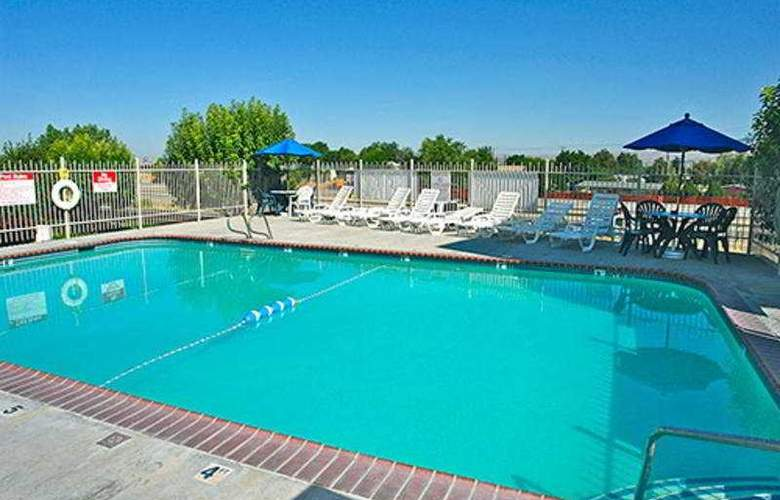 Motel 6 Boise Airport - Pool - 3