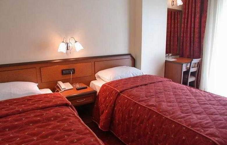 Grand Hilarium Hotel - Room - 5
