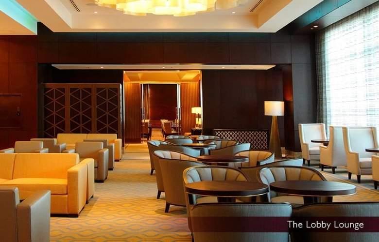 Crimson Hotel Filinvest City - Bar - 3