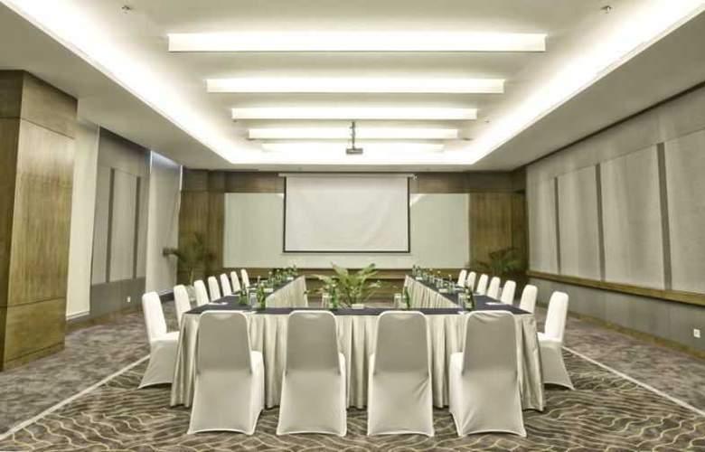 Grand Whiz Kelapa Gading - Conference - 4