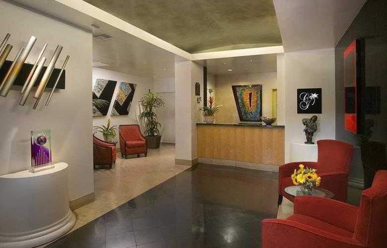 Best Western Plus Carlyle Inn - Hotel - 1