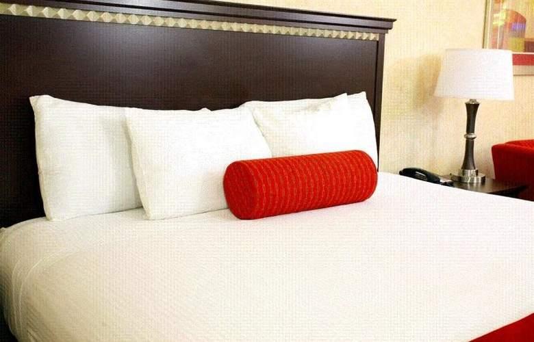 Tempe Phoenix Airport InnSuites - Room - 0