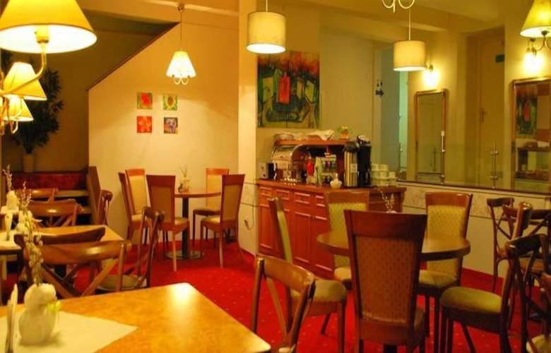 A1 Hotel - Restaurant - 7