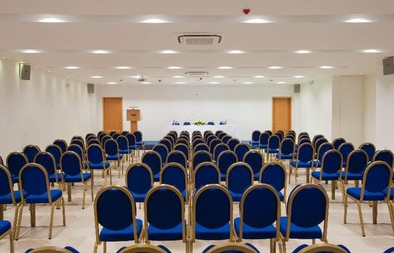 Miramare - Conference - 1