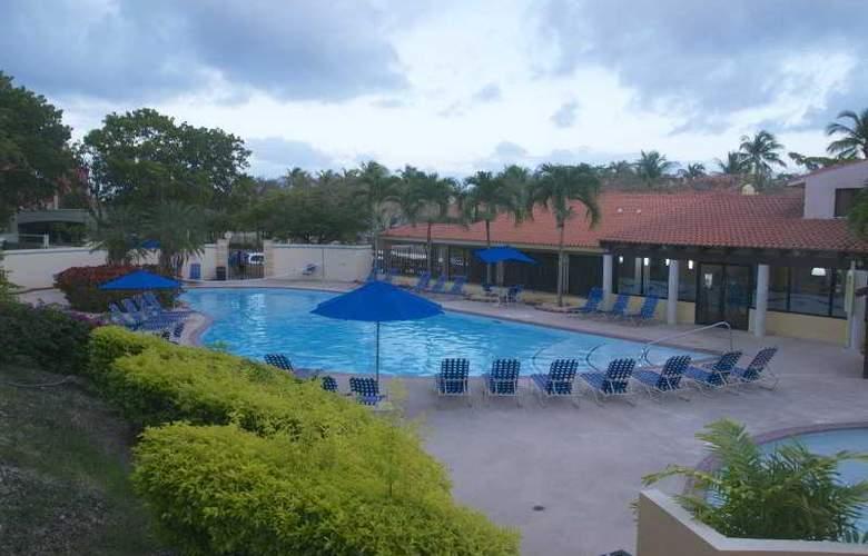 Park Royal Club Cala - Pool - 11