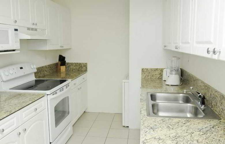 Large 3 Bedroom Apartment in Sunny Isles - Room - 2