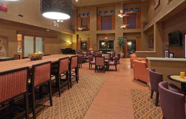 Hampton Inn & Suites Phoenix Goodyear - Hotel - 6