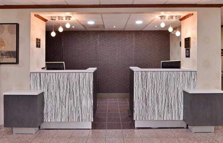 Best Western Plus Richmond Airport Hotel - Hotel - 59