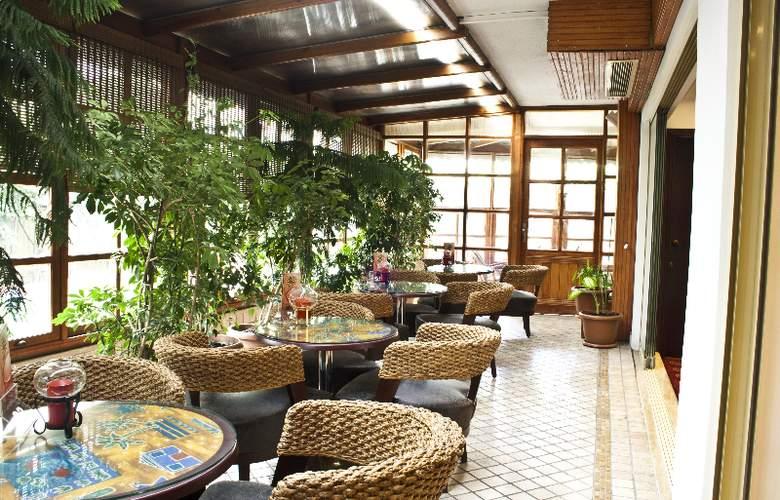 Gunes - Restaurant - 30