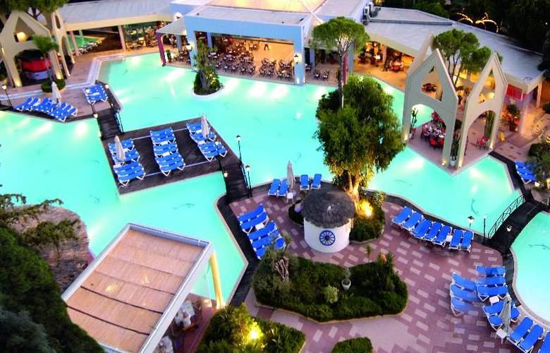Dionysos - Hotel - 13