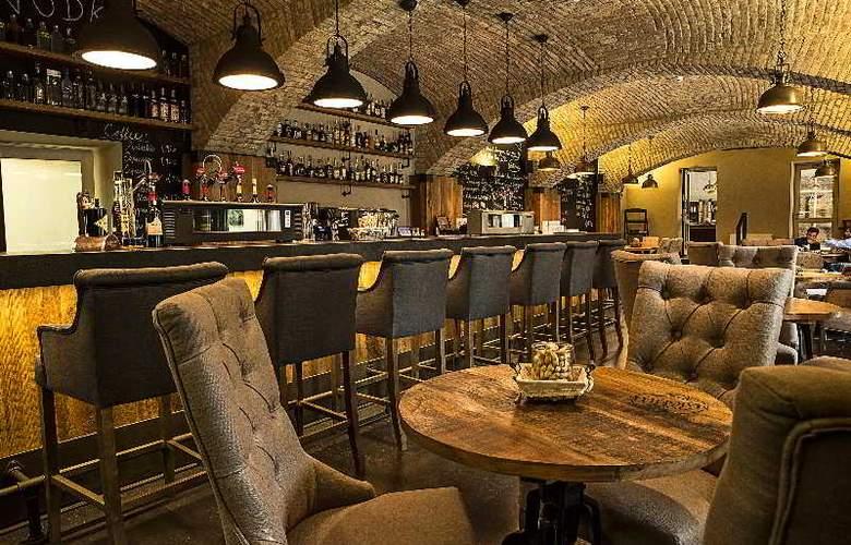LOFT Bratislava - Bar - 3