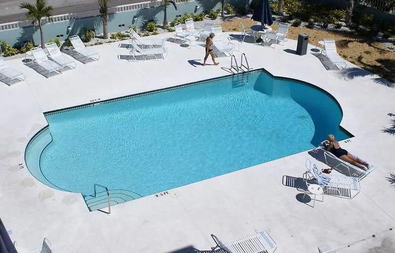 Barefoot Beach Resort Hotel - Pool - 5