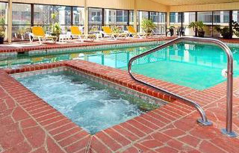 Quality Inn, Tifton - Pool - 3