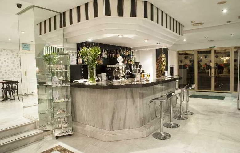 El Faro Inn - Bar - 20
