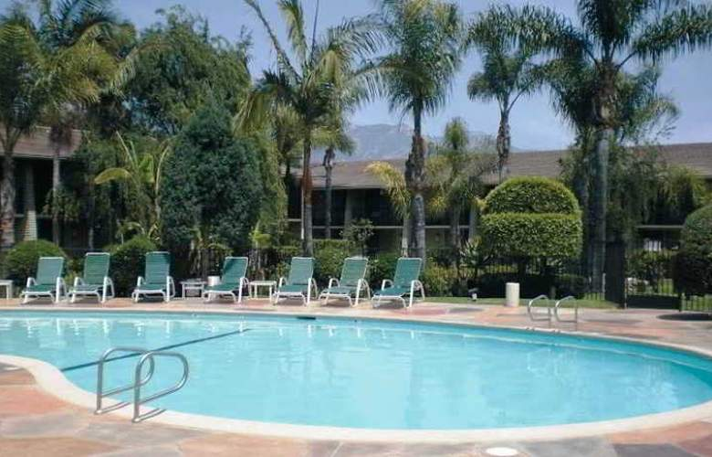 Ramada Limited Santa Barbara - Pool - 6