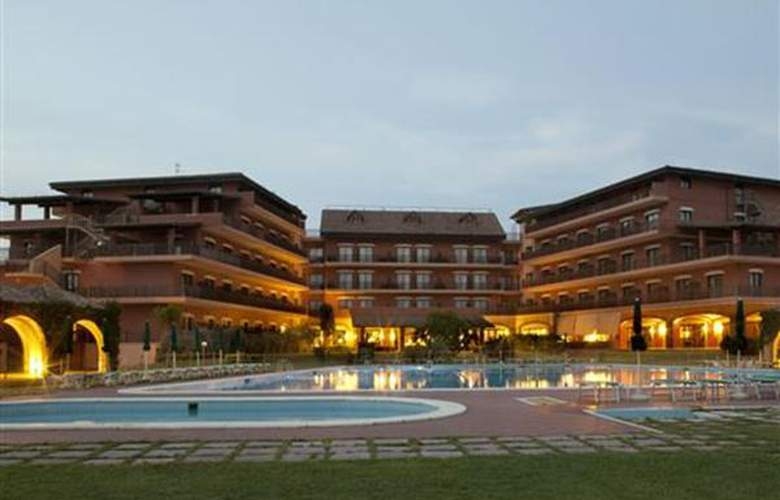 Golden Tulip Resort Marina di Castello - Hotel - 0