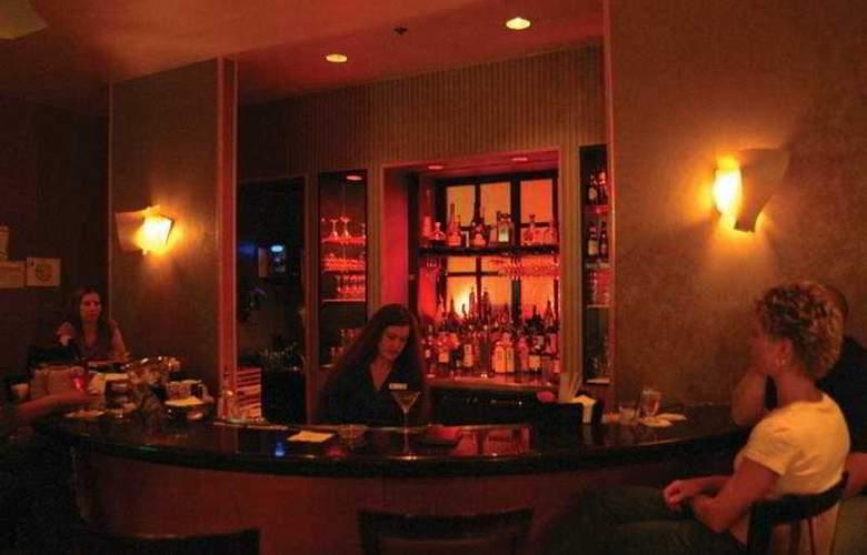 Doubletree Nashville Downtown - Bar - 6