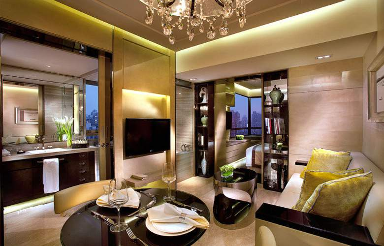 The One Executive Suite by Kempinski - Room - 9