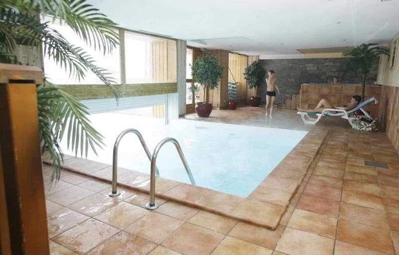 Résidence Hameau & Chalets de la Vallée d'Or - Pool - 5