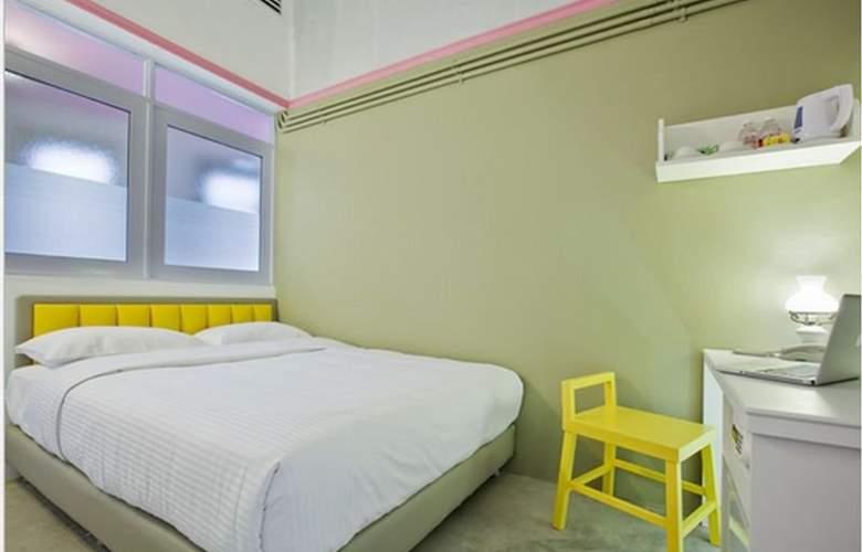 Kam Leng - Room - 5