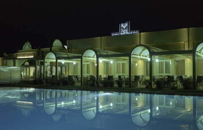 NH Parco Degli Aragonesi - Pool - 27