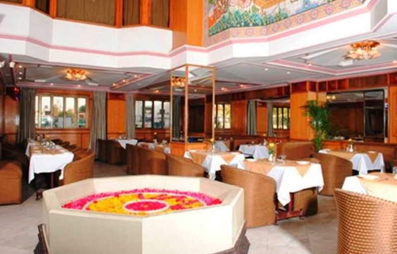 Vesta Maurya Palace - Restaurant - 7