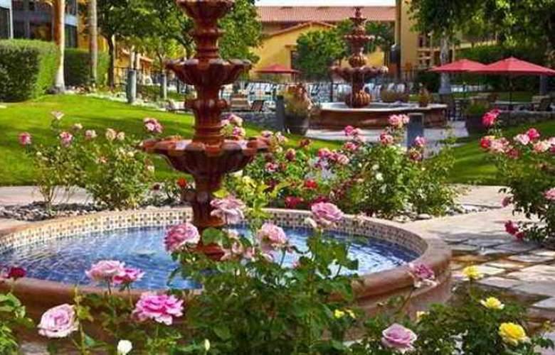 Embassy Suites Palm Desert - Terrace - 11