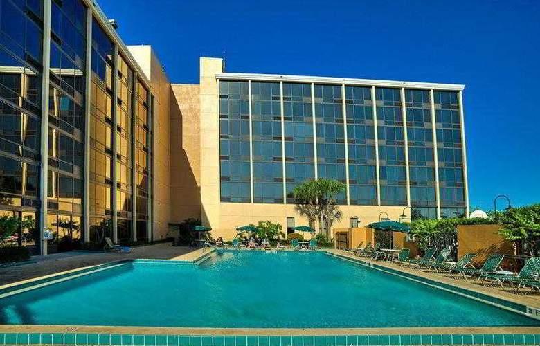 Best Western Plus Orlando Gateway Hotel - Hotel - 28