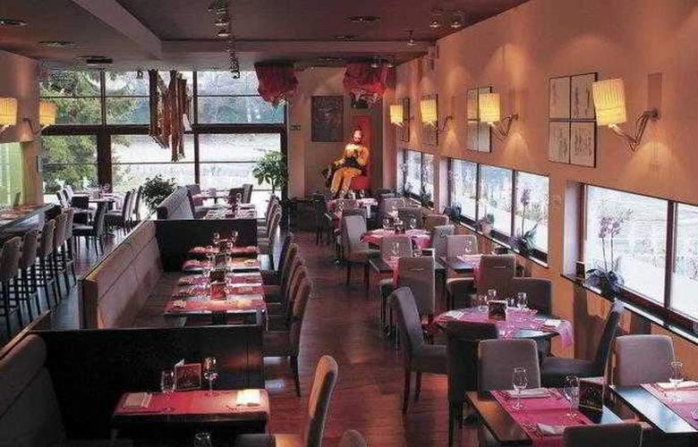 BEST WESTERN PLUS Hotel Casteau Resort Mons - Hotel - 18