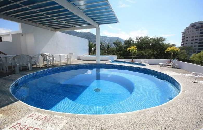 Suites Plaza del Rio - Pool - 4