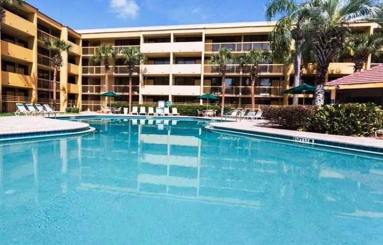 La Quinta Inn - Pool - 16