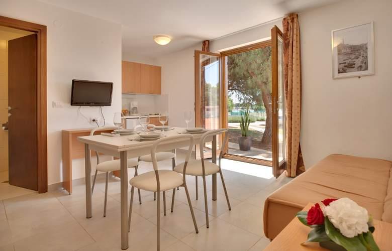 Resort Villas Rubin Apartments - Room - 2