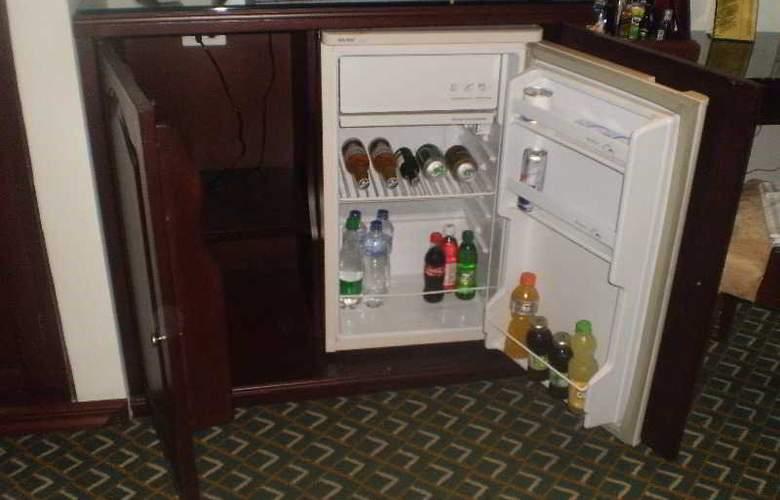 Hotel Embassy Park - Room - 22