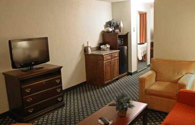 Hampton Inn Tupelo - Hotel - 3