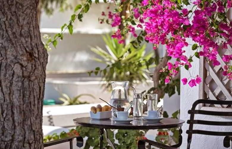 Kalisti Hotel & Suites - Terrace - 23