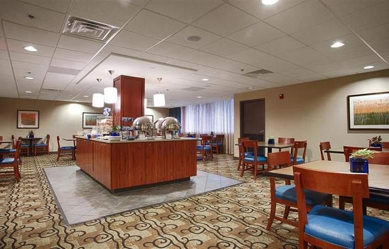 Best Western Plus Hotel Tria - Restaurant - 126