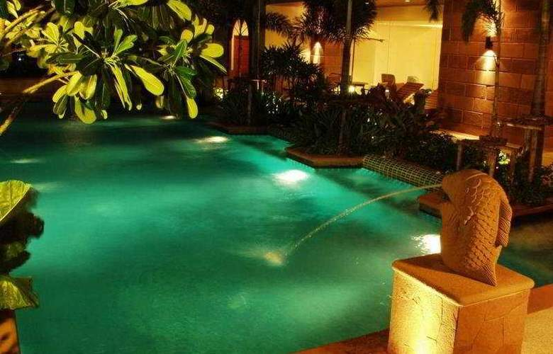 Jasmine Executive Suite - Pool - 5