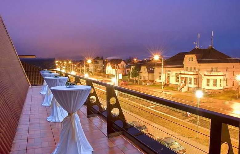 Primavera Hotel & Congress Centre - Terrace - 24