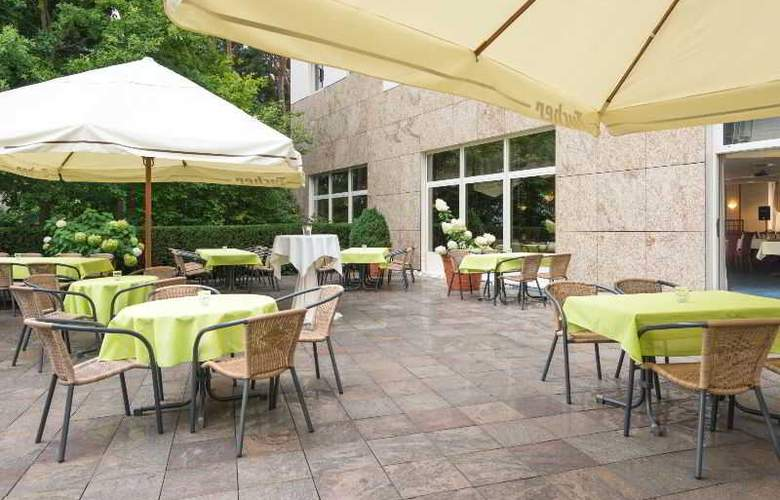 Novina Sudwestpark Hotel - Terrace - 19