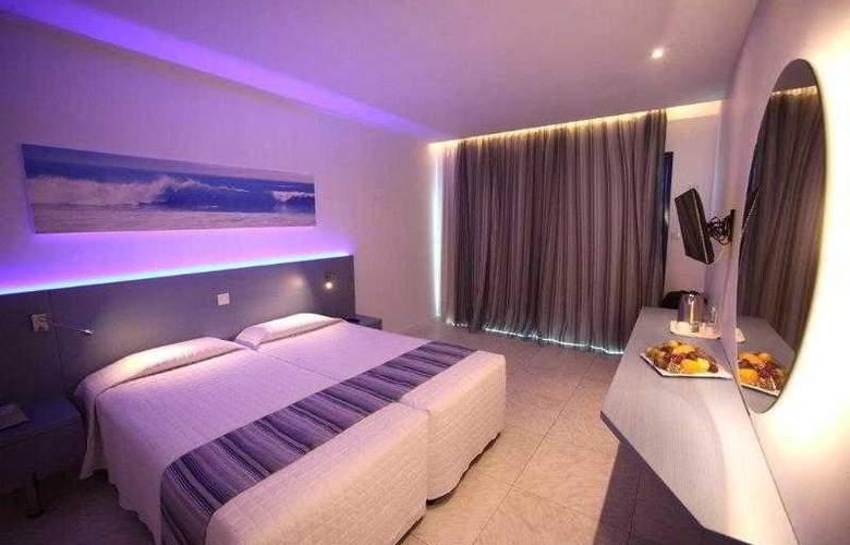 Anonymous Beach Hotel - Room - 4