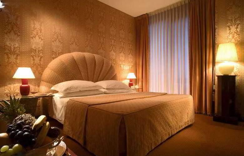 Pierre Milano Hotel - Room - 4