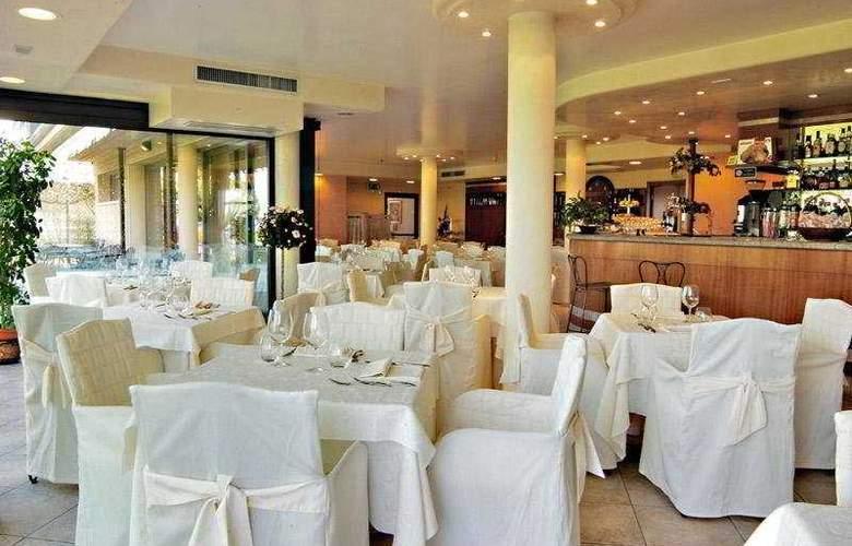 Yachting Hotel Mistral - Restaurant - 8