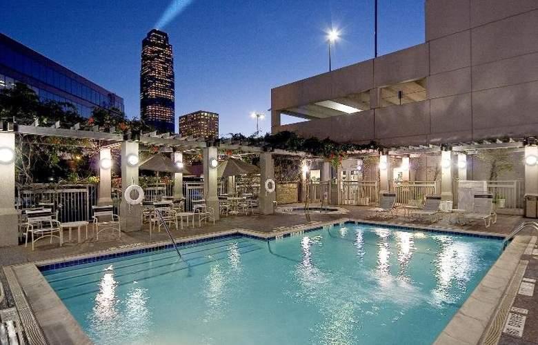 Sheraton Suites Houston near the Galleria - Pool - 35